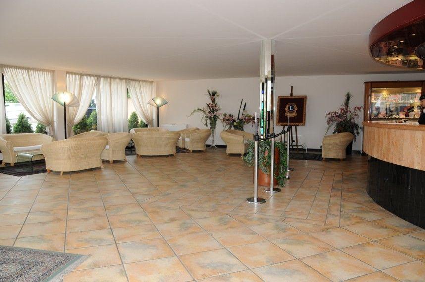 Resort loano 2 village liguria ceramica senio for Design hotel liguria