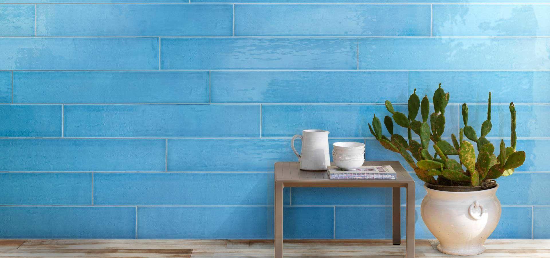 "Rivestimento / Wall: W1065 Nettuno Cm 20x120 - 8""x48"" Pavimento / Floor: J4601 Canvas Terra Cm 20x120 - 8""x48"""